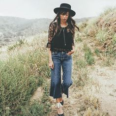 @catcherinthestyle takes the road less traveled in Hudson's Sammi Wideleg Crop in Stingray