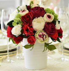 Aranjament floral realizat manual din hartie. #PaperFlowers #FloriDinHartie #FloriDeHartie