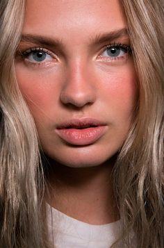 Romee Strijd #sunstripping #makeup
