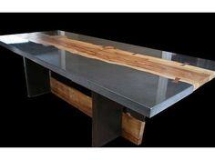 Polished concrete with addition of wood slabs for table or counter top // Impresionante. Bellísima para isla en la cocina.