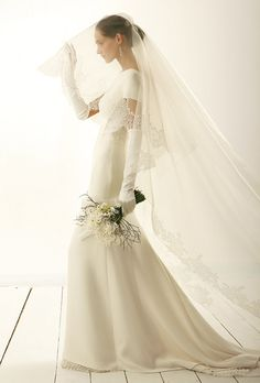 le spose di gio wedding dress  | cl28_le_spose_di_gio_wedding_dress_primary.jpg