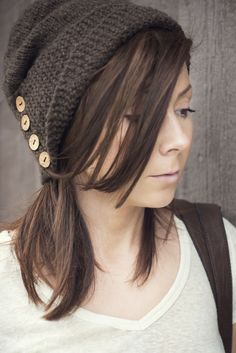 knit a hat with buttons