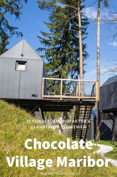 Schokolade und Natur - die perfekte Kombi für den Urlaub in Slowenien. #glamping #village #chocolate #schokoladendorf #schokoladenmanufaktur #drau #maribor #slowenien #reisen #natur #tipps #workshop #shop #fluss #natur #urlaub #insidertipps #übernachten #schlafen #luxushütten #slovenija #sehenswürdigkeiten #ausflug #café #teta #frida #schokolade Hotels, Reisen In Europa, Glamping, Tricks, Cabin, Inspiration, House Styles, Travel, Summer Vacations