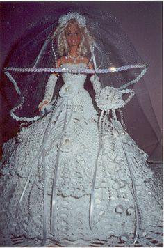 Barbie bride in pretty crochet wedding dress. Barbie Bridal, Barbie Wedding Dress, Barbie Gowns, Barbie Dress, Doll Dresses, Crochet Doll Dress, Crochet Barbie Clothes, Barbie E Ken, Barbie Doll