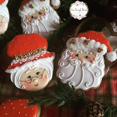 Easy Christmas Treats for School Parties Your Students Will Love - Dawn Stubbins - Easy Christmas Treats for School Parties Your Students Will Love - Santa Cookies, Christmas Sugar Cookies, Iced Cookies, Cute Cookies, Holiday Cookies, Gingerbread Cookies, Easy Christmas Treats, Noel Christmas, Christmas Goodies