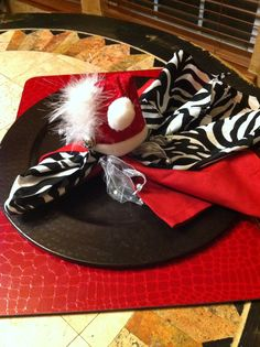 love the zebra print with the bold red Christmas Table Decorations, Holiday Tables, Holiday Parties, Holiday Fun, Holiday Decor, Holiday Ideas, All Things Christmas, Christmas Holidays, Xmas