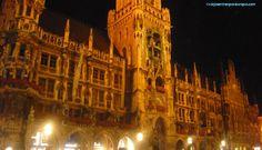 Nuevo ayuntamiento de Múnich de noche. Munich, Louvre, Germany, Building, Travel, Town Hall, Paths, Night, Europe