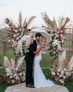 Pampas grass wedding ideas for the boho glam bride 36 romantic wedding ceremony decorations to make you swoon Romantic Wedding Photos, Romantic Weddings, Unique Weddings, Vintage Outdoor Weddings, Romantic Wedding Inspiration, Romantic Ideas, Maui Weddings, Real Weddings, Floral Wedding