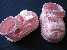 Crochet Baby Booties For Beginners | Crochet Baby Booties | Pinterest