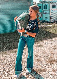 Cute Cowgirl Outfits, Country Style Outfits, Southern Outfits, Rodeo Outfits, Country Fashion, Cute Fall Outfits, Mom Outfits, Western Outfits, Simple Outfits