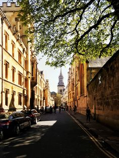 Enjoy an afternoon stroll in Oxford. http://townske.com/article/93/an-afternoon-stroll-in-oxford