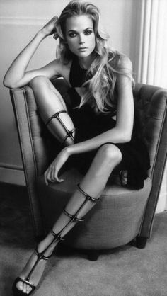 Gabriella Wilde femme fatale and great cage shoes Gabriella Wilde, Grunge Goth, Giuseppe Zanotti Shoes, Mode Editorials, High Fashion, Womens Fashion, Street Fashion, Fashion Models, Fashion Shoes
