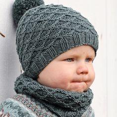 Småtroll-lue og Småtroll-hals fra boka vår, Klompelompe Strikk til hele familien :) Baby Hats Knitting, Crochet Baby Hats, Knitting For Kids, Baby Knitting Patterns, Knitted Hats, Crochet Patterns, Kids Beanies, Kids Hats, Crochet Stitches