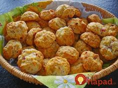 Mini – Partybrötchen Mini – party rolls, a very delicious recipe from the category bread and rolls. Mini Party Appetizers, Snacks Für Party, Pizza Snacks, I Chef, Czech Recipes, Party Finger Foods, Food To Make, Food And Drink, Cooking Recipes