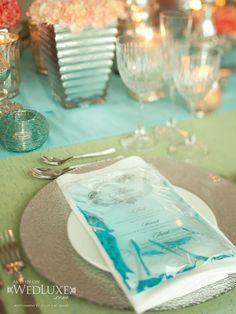 This water filled menu is so fab, I could scream!!!! | WedLuxe Magazine