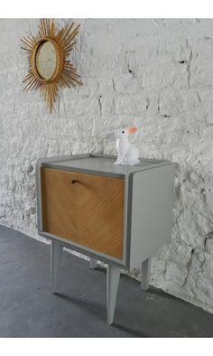 chevet + lapin + miroir = <3 #meuble-vintage #vintage