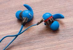 The sweatproof $99 iSport Immersion earphones offer a very secure fit and impressive sound. via @CNET