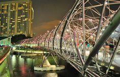 Los 10 puentes más inusuales del mundo. http://www.fierasdelaingenieria.com/los-10-puentes-mas-inusuales-del-mundo/#