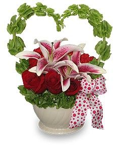 valentine flower arrangements | ... Valentine Arrangement in Burbank, CA - LA BELLA FLOWER & GIFT SHOP