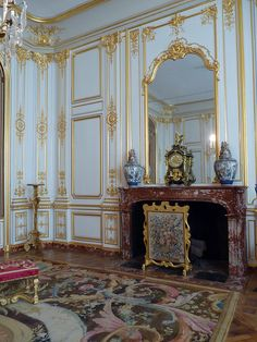 Built as a hunting lodge for François I, Château de Chambord is one of the finest examples of the Renaissance architecture in France. 💍BeYond BlEsSed 💕 👑 🕌 ∂α૨ℓเɳɠ🍭🍦 ∂α૨ℓα💋