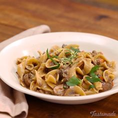 Your babushka will definitely be proud of you for making this hearty, creamy beef Stroganoff. Beef Recipes, Cooker Recipes, Healthy Recipes, Recipies, Tasty Videos, Food Videos, Beef Dishes, Pasta Dishes, Paleo Dinner