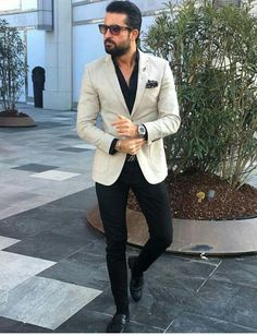 The Gentleman's Guide to Casual Fridays Blazer Outfits Men, Mens Fashion Blazer, Stylish Mens Outfits, Mens Fashion Blog, Suit Fashion, Cheap Fashion, Fashion Boots, Fashion 1920s, Fashion Guide