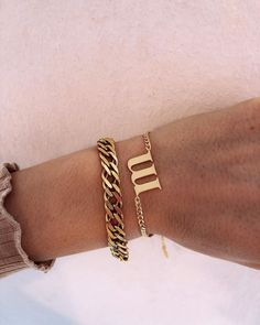 """MISS QUOTE na Instagramie: """"Letter Bracelet upside down with our new heavy bracelet 😻 what do you think? 🧐 shop on www.miss-quote.com #jewelry #bracelet…"""" Missing Quotes, Personalized Jewelry, Thinking Of You, Mens Fashion, Lettering, Photo And Video, Bracelets, Rings, Gold"""