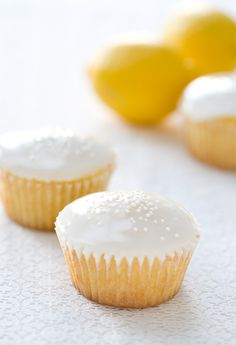 Lemon and Buttermilk cupcakes! YUMMO! Interesting they use buttermilk, flour and corn flour in them. I think I will be happy to make these next sunny day~Pin leads you back to Love and Olive Oil's Blog with the recipe!