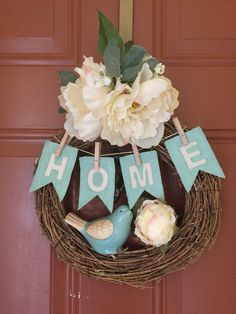Shabby chic. Chicken wire wreath with burlap painted pendants.