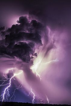Updraft Lightning by Glenn Patterson on 500px