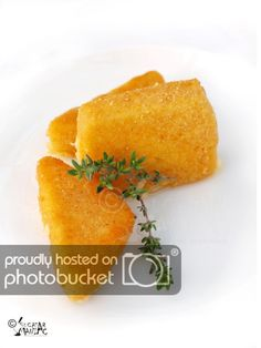 Cascaval pane / fried cheese Romanian recipes, browser will translate to English Cheese Fries, Cheese Bread, Fried Cheese, Sicilian Recipes, Greek Recipes, Romanian Food, Romanian Recipes, Cheese Dishes, Tasty