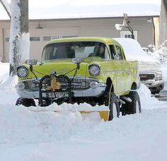 This is the coolest snowplow ever!  So plows do exist... Just not in Cheshire!  Tough storm