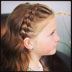 Een ingevlochten haarband is ook geweldig om te maken! - Kinderkapsels