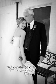 Father daughter wedding, father daughter first look