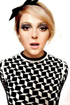 <3 Geometric makeup.