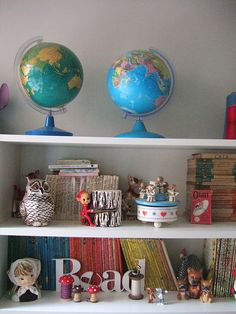 globes, globes and more globes!