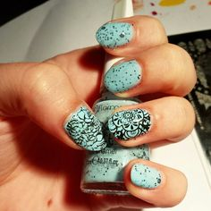 Blue glitter sandwich nails with stamping