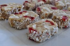 Fifteens are a classic Northern Irish no-bake traybake, if not THE classic traybake. Digestives, cherries, marshmallows, condensed milk and coconut. Scottish Recipes, Irish Recipes, Tray Bake Recipes, Cooking Recipes, Cake Recipes, Dessert Recipes, Welsh, Northern Irish, Northern Ireland
