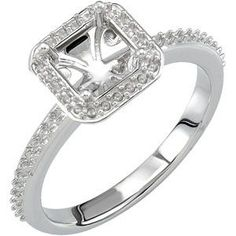 Can you use a round diamond in a square setting?
