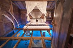 9 Underwater Hotel Rooms That Give You Ridiculous Views Of The Ocean - UltraLinx