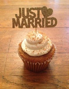 Just Married Cupcake Toppers Wedding Decorations / by hawthorneave