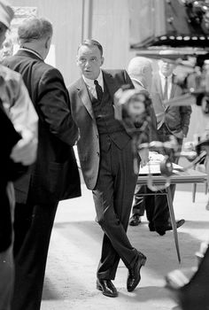 francisalbertsinatra: Frank Sinatra on the set of Marriage on the Rocks (1965), photographed by John Dominis