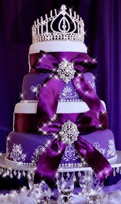 Royal Purple Wedding Cake, a very royal cake! Round Wedding Cakes, Amazing Wedding Cakes, Amazing Cakes, Bling Wedding Cakes, Gorgeous Cakes, Pretty Cakes, Cute Cakes, Royal Cakes, Chanel Torte