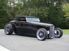 Joe Stuban's 1932 Ford Hi-boy built by Greening Auto Company and M&M Hot Rod interiors and custom chassis by Roadster Shop.