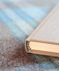 book binding. Another pinner said: My art teacher taught me how to make my own hard covered books, so I love this tutorial, takes me back some decades..;-)