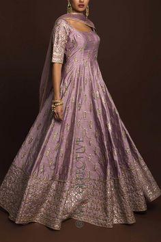 Indian Fashion Trends, Indian Designer Outfits, Designer Dresses, Asian Fashion, Long Gown Dress, Anarkali Dress, Long Dresses, Bridal Anarkali Suits, Evening Dresses