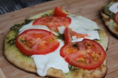 Mom's Cooking Club: Grilled Tomato and Mozzarella Naan Pizza
