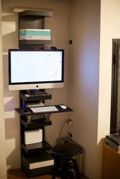 Vertical iMac stand- closetable- ikea hack