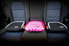The BubbleBum inflatable car booster set weighs less than one pound and is perfect for everyday carpooling or road trips. #cars #carsafety #kids