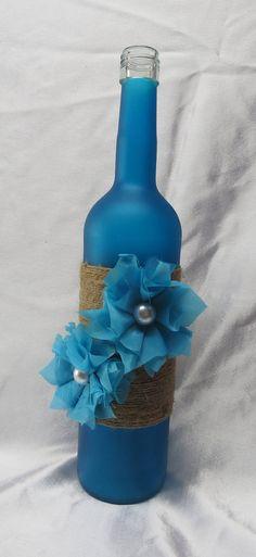 Decorativa botella de vino-guita y flores